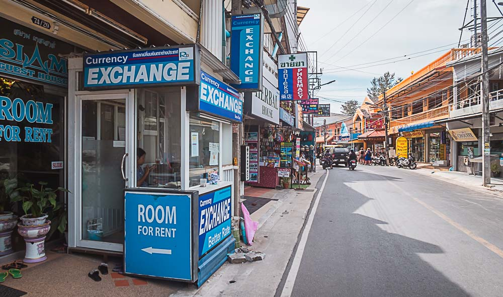 Currency Exchange (Wechselstube) in Kamala in Thailand