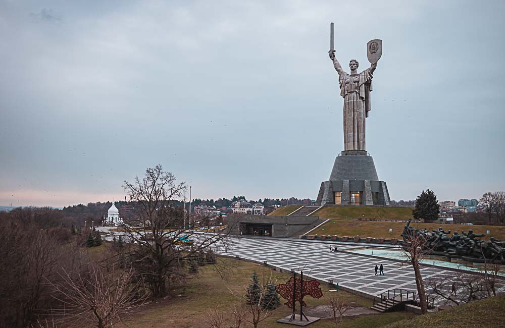 Mutter Heimat Statue in Kiew in der Ukraine