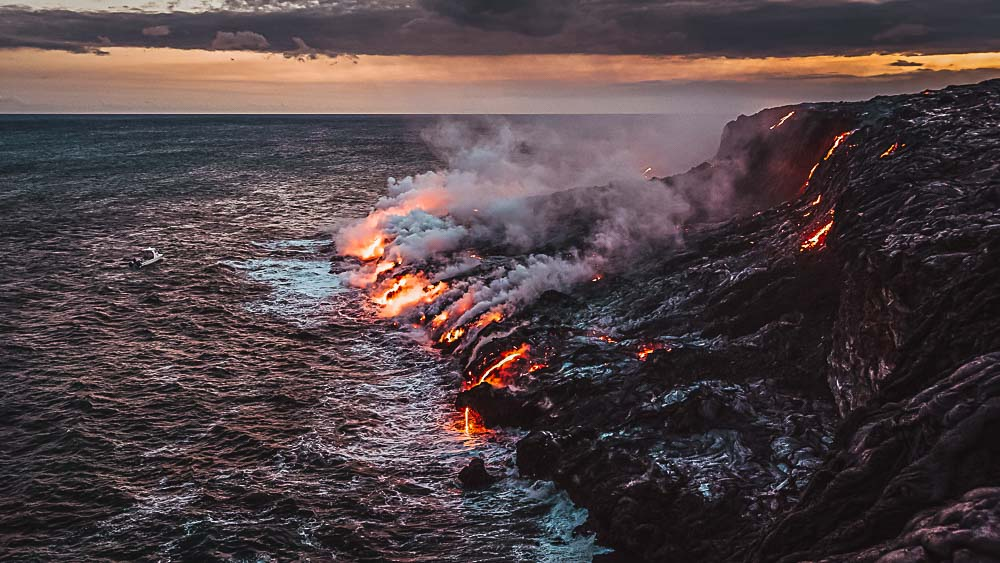 Lava an der Küste von Big Island in Hawaii, USA