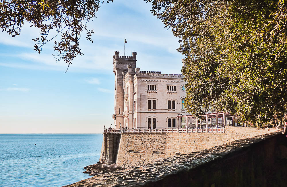Miramare Schloss in Triest in Italien