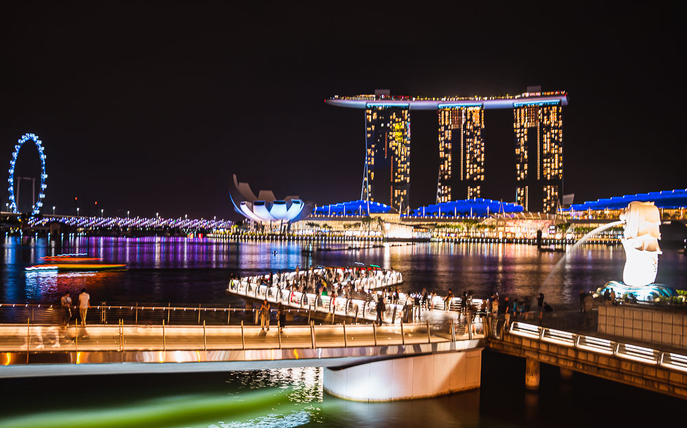 Marina Bay in der Nacht in Singapur