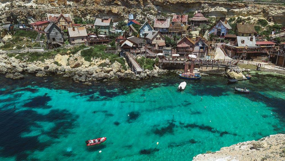 Popeye Village in der Anchor Bay in Malta